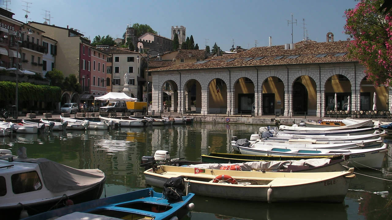 how to get from desenzano to riva del garda